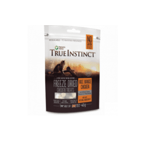 Packet of True instinct freeze dried chicken treats for cats